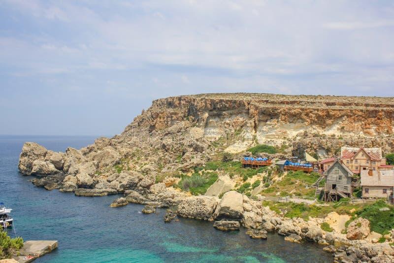 Popeye-dorp op een zonnige dag Bekende attractie en openluchtmuseum op Malta-eiland Zomerlandschap royalty-vrije stock fotografie