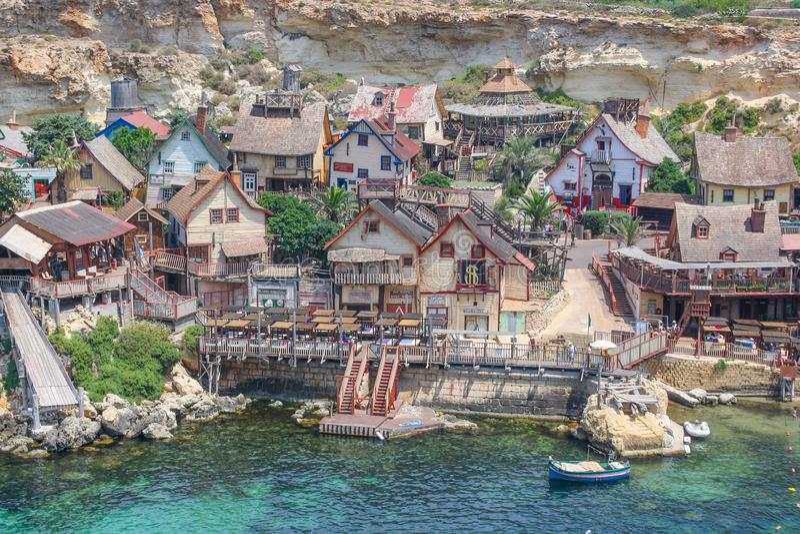 Popeye-dorp op een zonnige dag Bekende attractie en openluchtmuseum op Malta-eiland Zomerlandschap royalty-vrije stock afbeeldingen