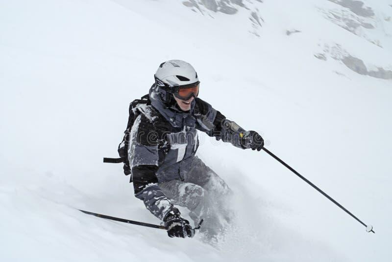 popielaty mężczyzna narty narciarstwa kostium obraz stock