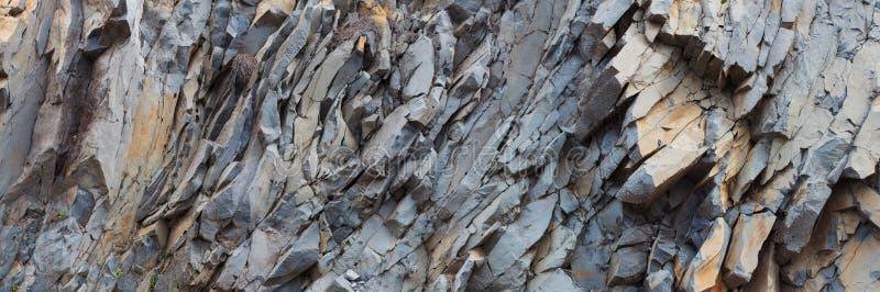Popielaty rockowy halny panoramy tło - kamienna tekstura fotografia stock