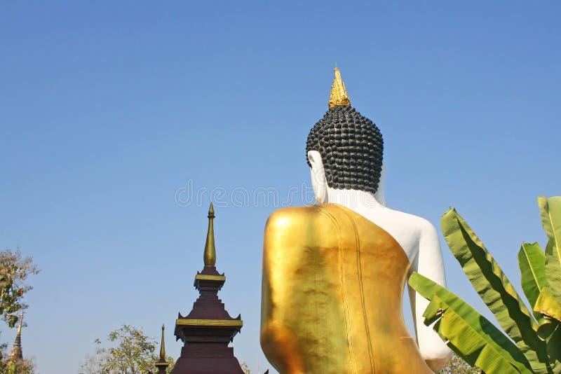Popiera ogromny posadzony Buddha wizerunek przy rajamontean templein Chiang Mai, Tajlandia zdjęcie stock
