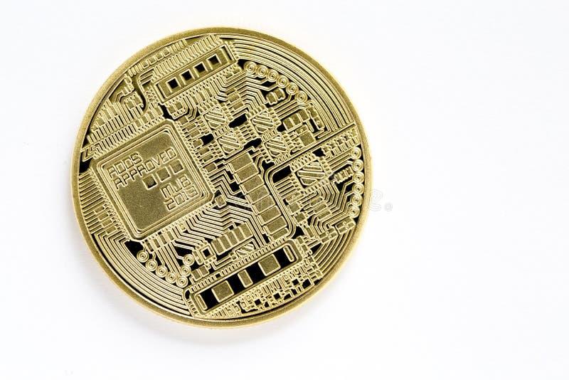 Popiera złotego bitcoin wirtualne monety odizolowywać na białym tle zdjęcie royalty free