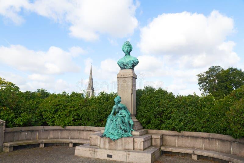 Popiersie i statua Princess Maria Orleans przy Langelinie, Kopenhaga fotografia stock