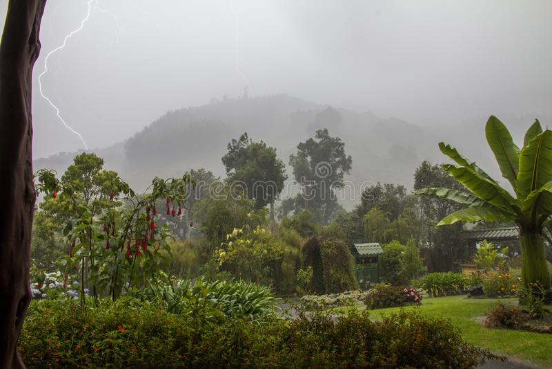 Popołudniowa burza, Codillera De Talamnca, Costa Rica zdjęcie stock