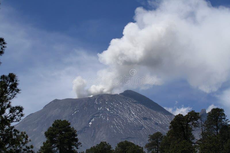 Popocatepetl Volcan κοντά στην Πόλη του Μεξικού στοκ φωτογραφία με δικαίωμα ελεύθερης χρήσης