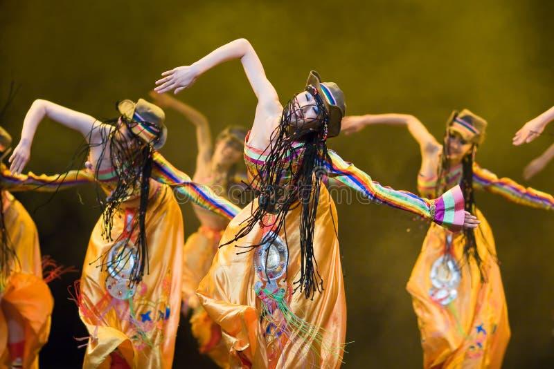 Popolo cinese di ballo di piega fotografia stock libera da diritti