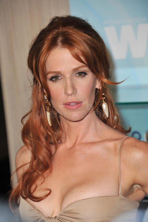 Download Poppy Montgomery editorial image. Image of paul, lucy - 26290400