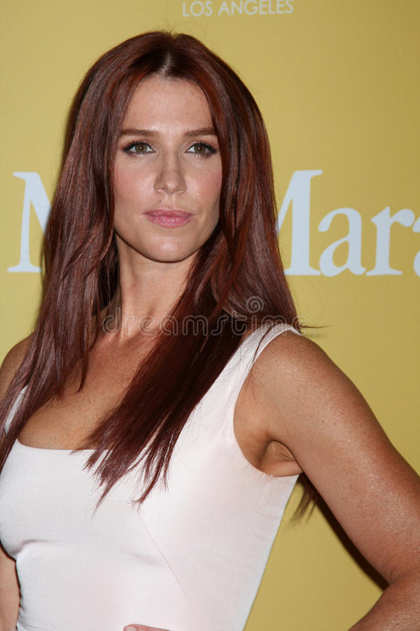 Poppy Montgomery arrives at the City of Hope s Music And Entertainment Industry Group Honors Bob Pittman Event