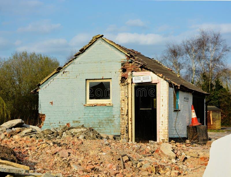 Poprzedni pub wyburzający Miejsce rozbiórka i odprawa zdjęcia stock