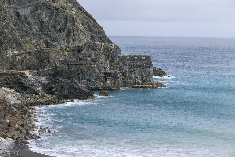 Poprzednia bananowa ładowanie stacja Castillo Del Mącący rozciąga dalekiego out morze obraz royalty free