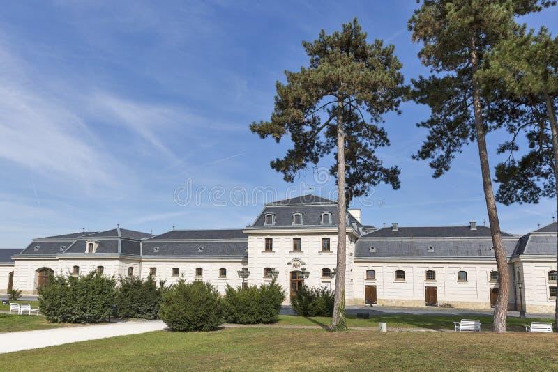 Poprzednia stajenka i kareciany dom, Festetics kasztelu park, Keszthely, Węgry obraz royalty free