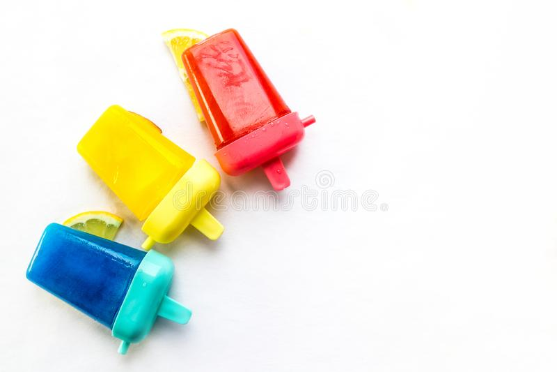 Popsicles που απομονώνεται σπιτικό στοκ εικόνες