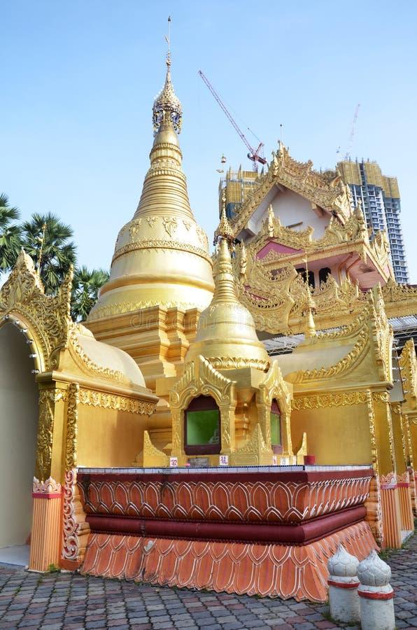 Populär Burmese tempel i Penang, Malaysia royaltyfri foto
