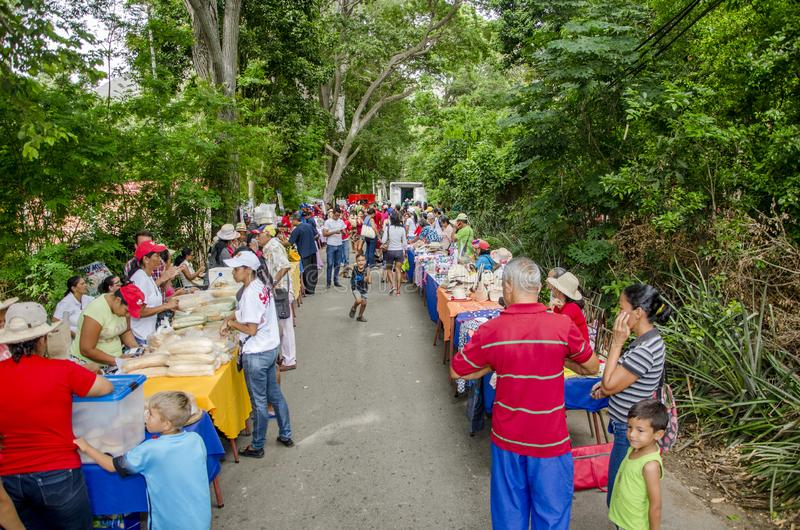 Populärer Markt in den Straßen von Isla Margarita stockfoto