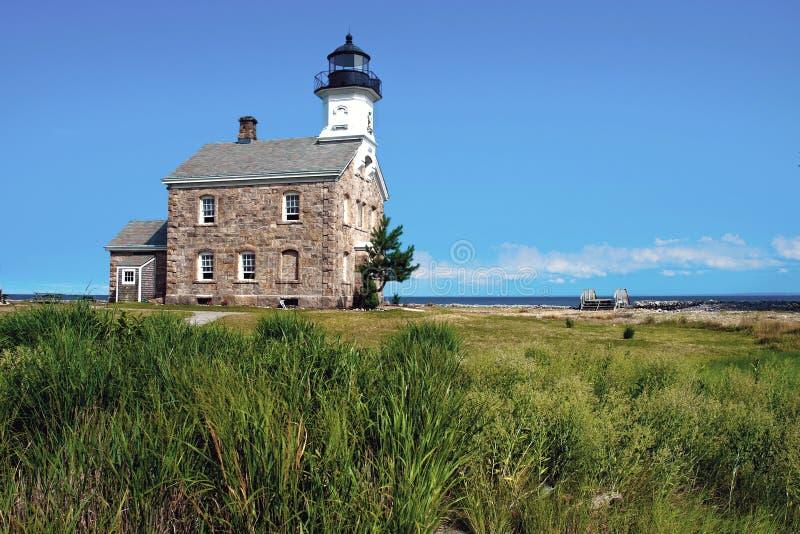 Populärer Steinleuchtturm auf Insel in Connecticut stockfotos