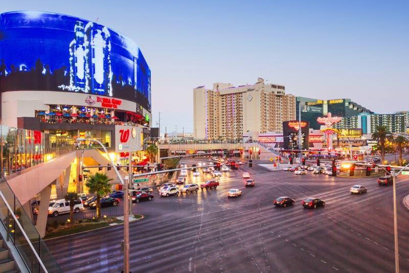 Populärt och fullsatt område i Las Vegas royaltyfri bild