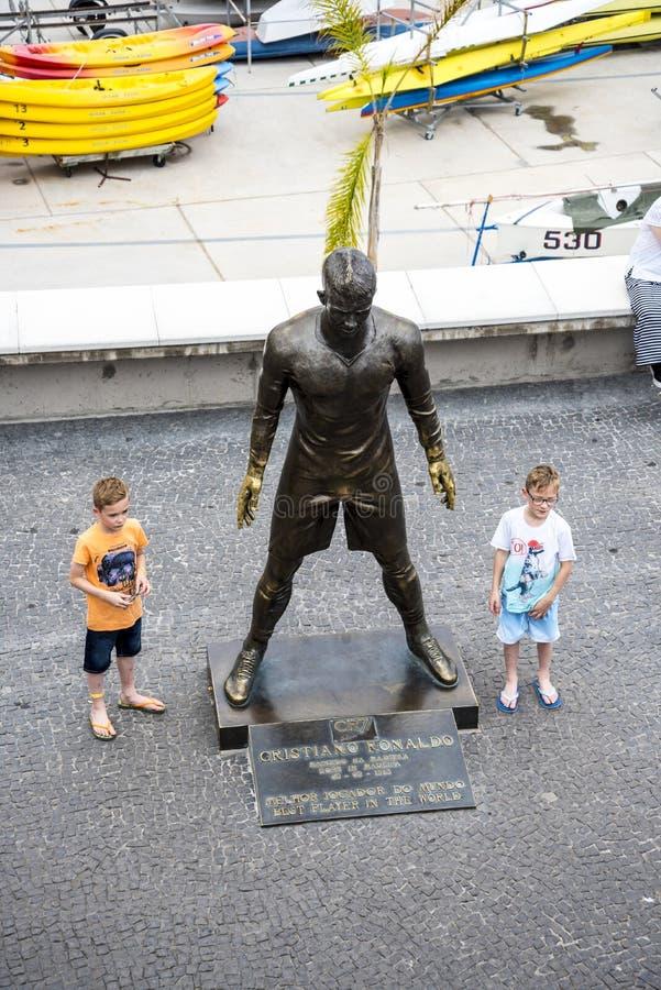 Popularna statua Cristiano Ronaldo Międzynarodowy futbolista który był urodzony w maderze, obraz stock