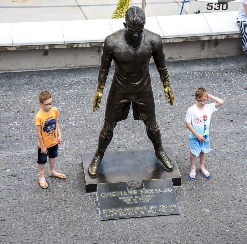 Popularna statua Cristiano Ronaldo Międzynarodowy futbolista który był urodzony w maderze, fotografia royalty free