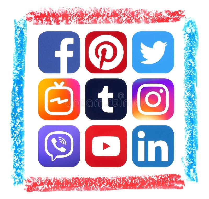 Popularne ogólnospołeczne medialne ikony z pastelowa ręka rysującą sztuki ramą ilustracji