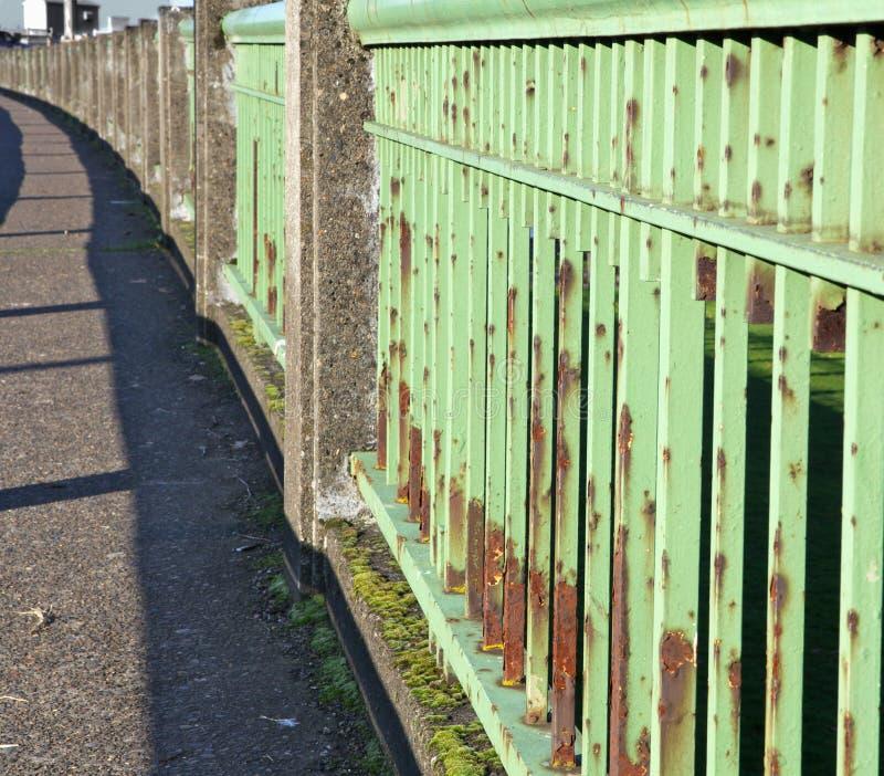 poręcz bridżowa zielona stal obraz stock