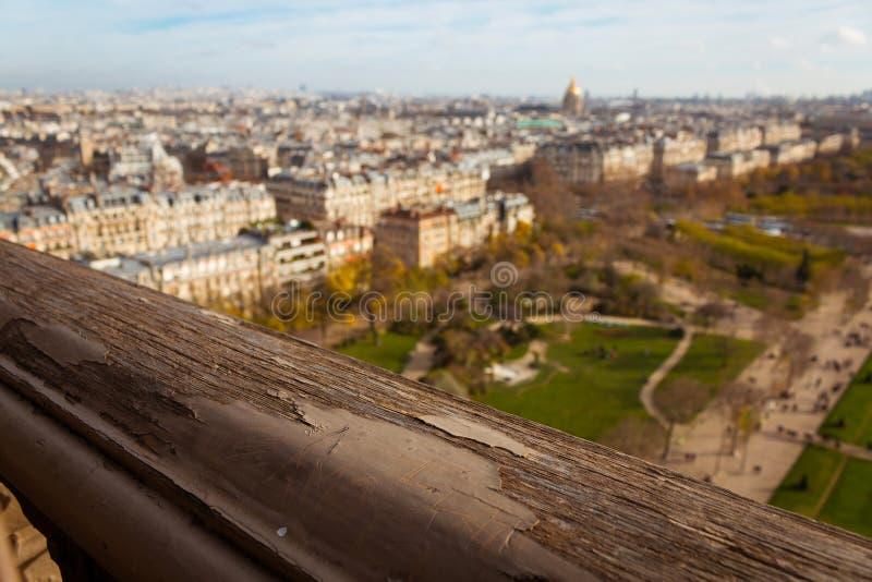 Poręcz wieża eifla i widok Paryż obrazy royalty free