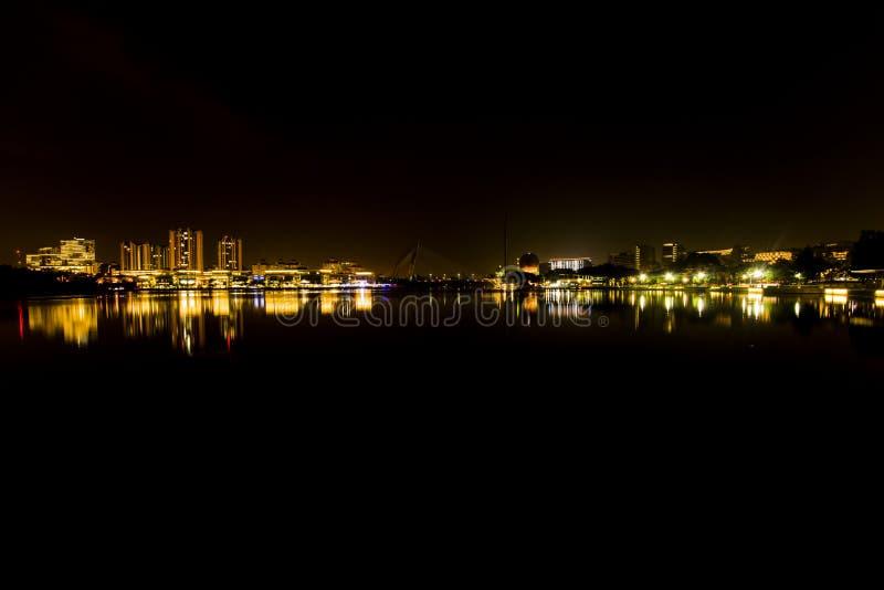 Por completo de la iluminación en Ayer 8, Putrajaya imagen de archivo libre de regalías
