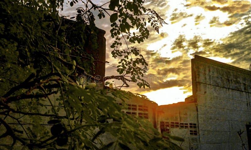 Por do sol do ‹de Urban†imagem de stock