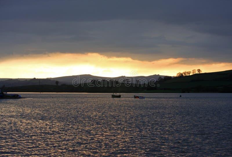 Download Por do sol foto de stock. Imagem de nuvem, árvores, barcos - 26522064