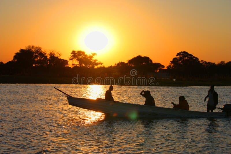 Download Por do sol foto editorial. Imagem de curso, sundown, água - 26524701