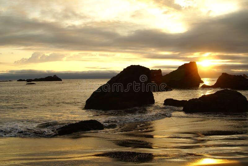 Por do sol 3 da costa de Oregon foto de stock royalty free