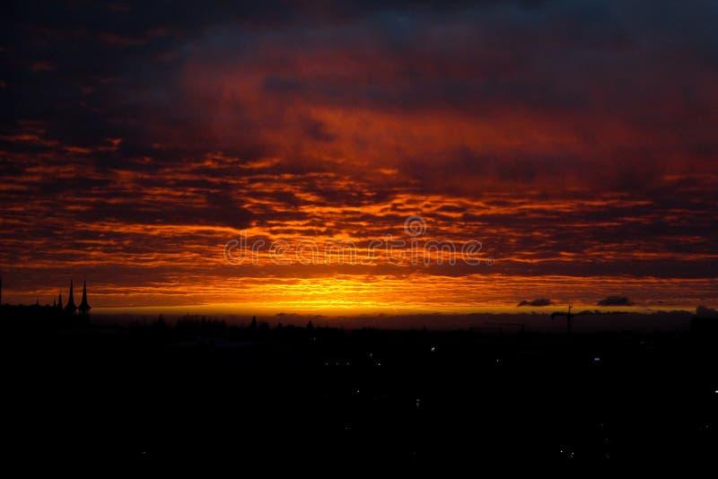 Por do sol alaranjado bonito imagem de stock