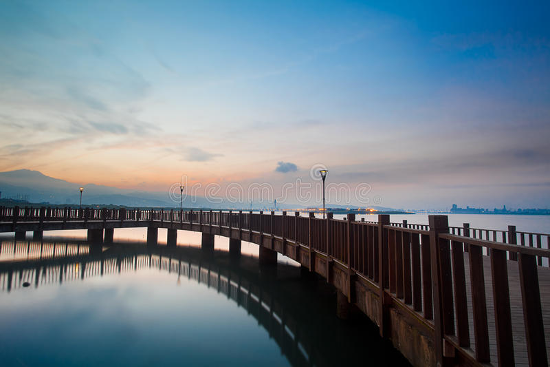 Por do sol azul de Tamsui do estilo, o Taipei novo, Formosa foto de stock