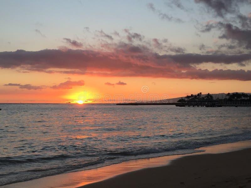 Por do sol bonito da ilha fotografia de stock