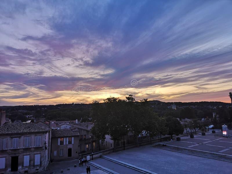 Por do sol bonito em Avignon foto de stock