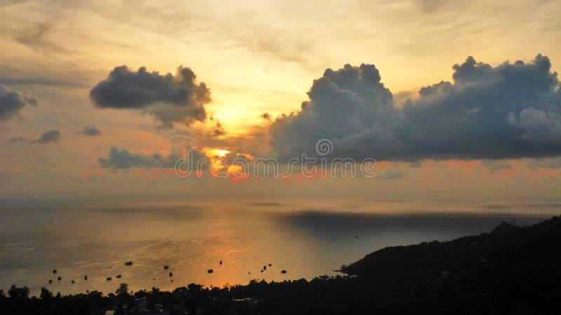 Por do sol bonito em Koh Tao imagens de stock royalty free