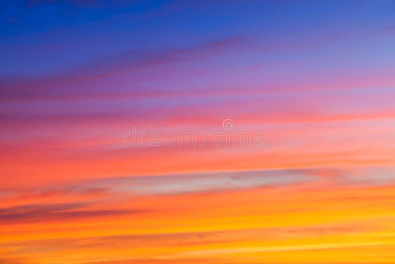 Por do sol bonito do tempo mágico fotografia de stock