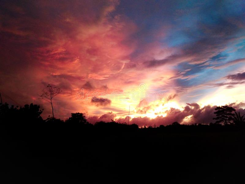 Por do sol do céu imagem de stock
