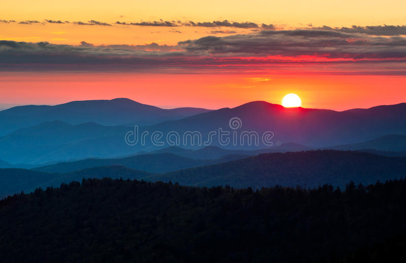Por do sol cênico do parque nacional de Great Smoky Mountains da abóbada de Clingmans foto de stock royalty free