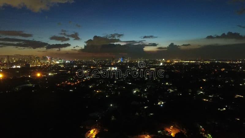 Por do sol do cargo na cidade de Pasig foto de stock royalty free