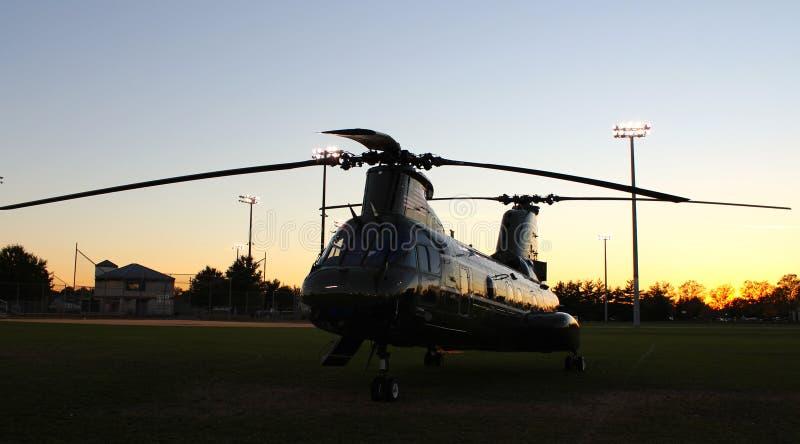 Por do sol CH-46E fotografia de stock