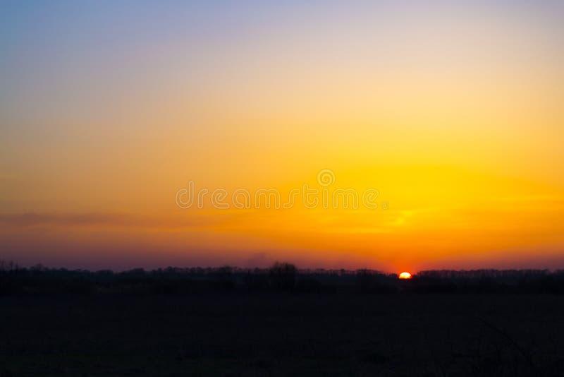 Por do sol colorido surpreendente fotografia de stock