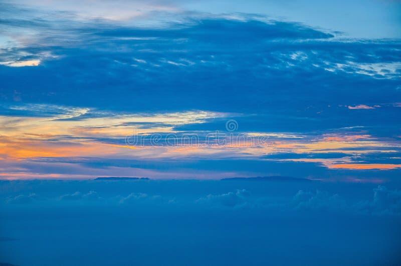 Por do sol com Ilhas Canárias, vista do vulcão de Teide, Tenerife, Ilhas Canárias imagens de stock royalty free