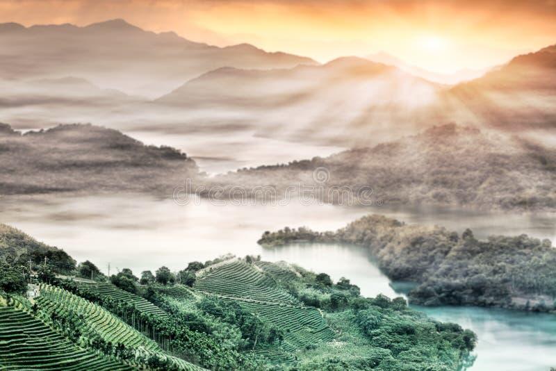 Por do sol da cintura do lago, o Taipei novo, Formosa imagem de stock royalty free