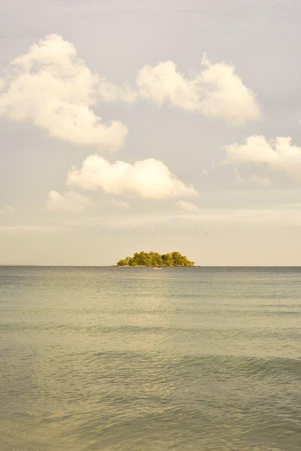 Por do sol da ilha fotografia de stock