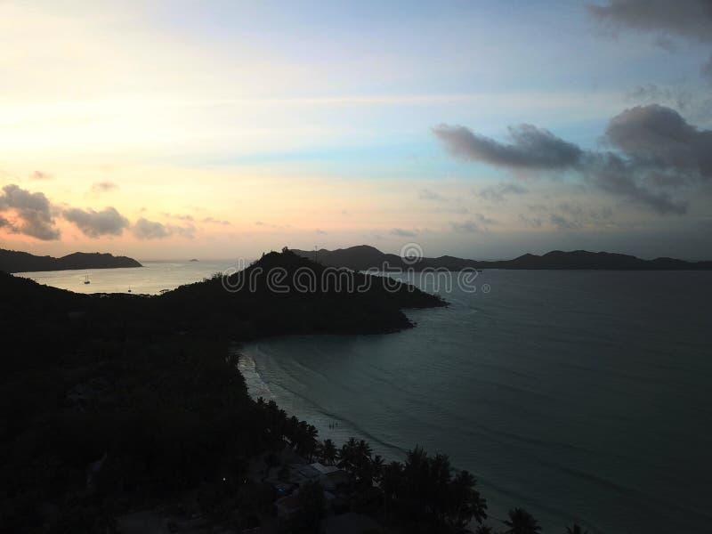Por do sol da ilha de Praslin fotos de stock royalty free