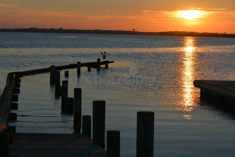 Por do sol da ilha do prazer fotografia de stock