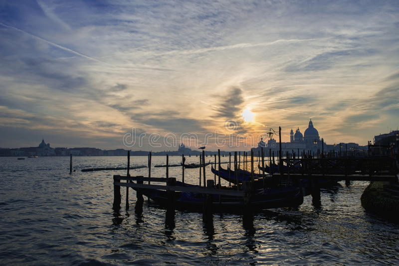 Por do sol da lagoa de Veneza fotografia de stock