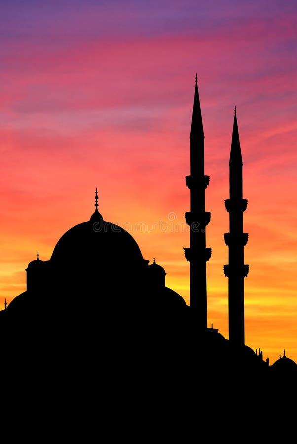 Por do sol da mesquita de Istambul Yeni fotos de stock