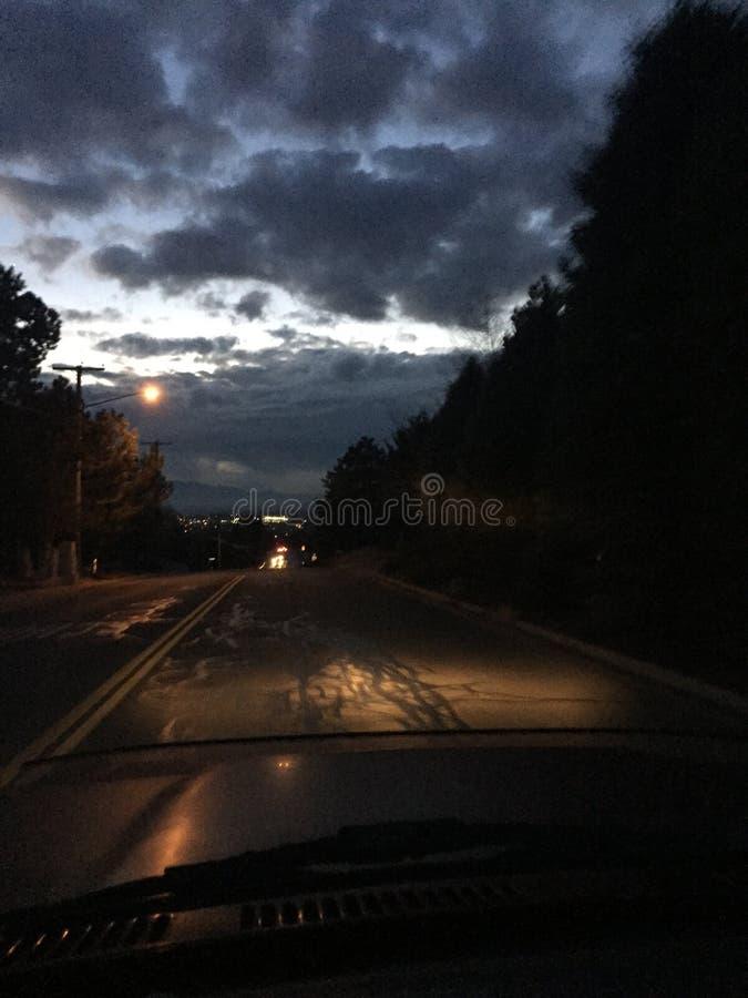 Por do sol da noite após o trabalho imagem de stock