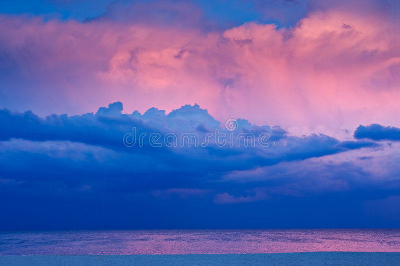 Por do sol da praia fotografia de stock royalty free